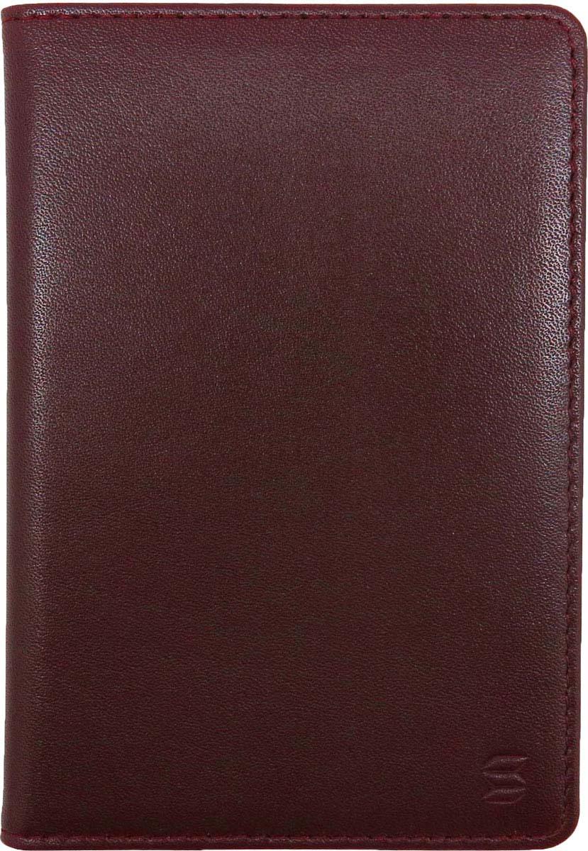 Обложка для паспорта Soltan выполнена из натуральной кожи бордового цвета. Внутри есть удобный карман для кредитной карты/водит.удостоверения