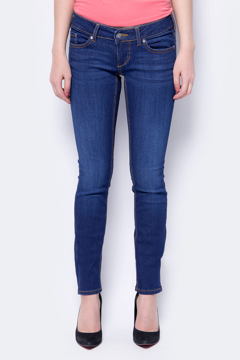 Джинсы женские Mustang Gina Skinny, цвет: синий. 1005662-5000-882. Размер 32-32 (48-32) джинсы mustang 1004733 5000 941