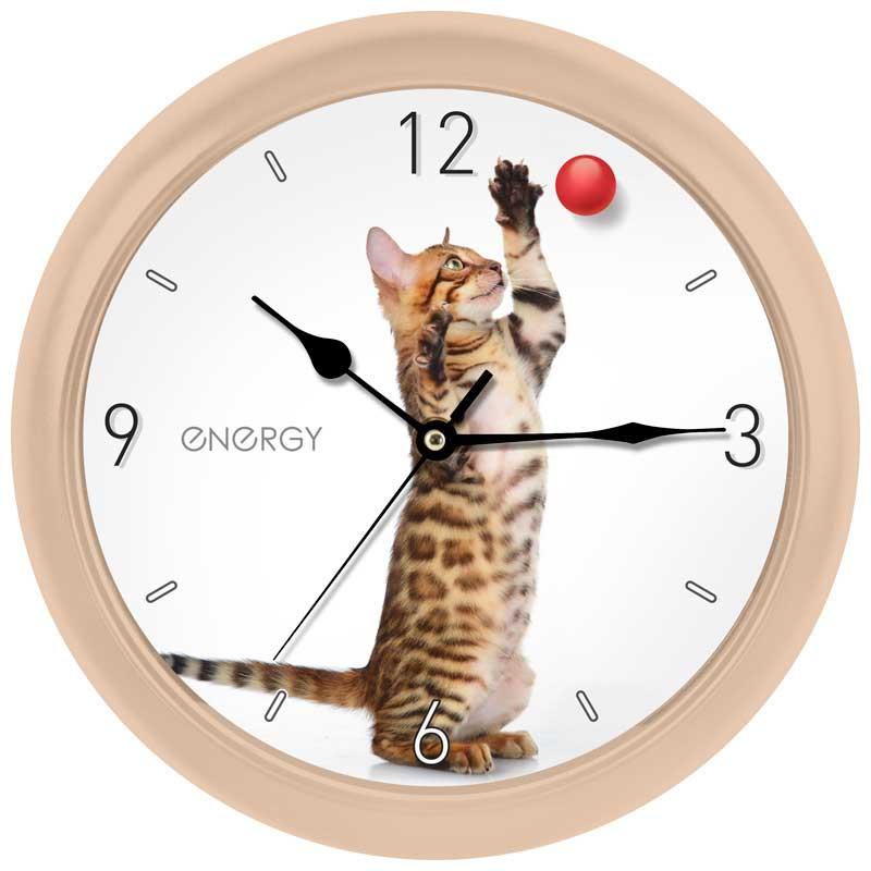 Energy ЕС-113 настенные часы9486Настенные кварцевые часы с плавным ходом Energy ЕС-113 имеют оригинальный дизайн и поэтому подойдут для вашего дома или офиса. Крупные цифры черного цвета отлично различимы даже в условиях плохого освещения. Питание осуществляется от 1 батарейки типа АА (в комплект не входит).Размер 26 см х 4 см
