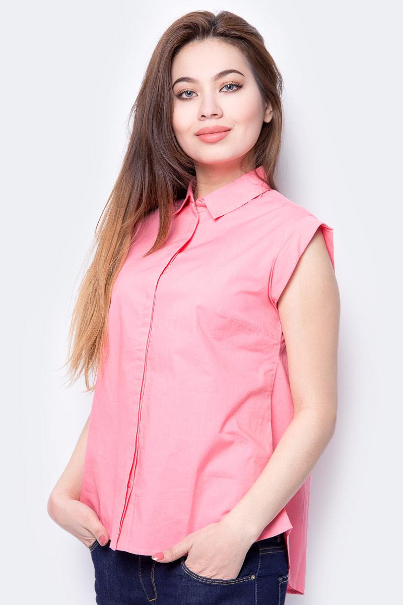 Блузка женская Sela, цвет: розовый. Bs-112/348-8293. Размер 48Bs-112/348-8293Комфортная блузка Sela, выполненная из натурального хлопка, разнообразит ваш повседневный гардероб и поможет создать модный образ. Модель свободного кроя с удлиненной спинкой, короткими цельнокроеными рукавами и отложным воротничком застегивается на пуговицы, скрытые планкой. Изделие подойдет для прогулок, офиса или дружеских встреч и будет отлично сочетаться с джинсами и брюками, а также гармонично смотреться с юбками.