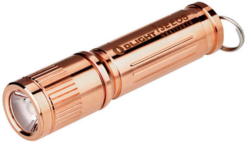 Фонарь светодиодный LE Olight I3E-CU Copper Brassy, цвет: бронзаMV-908214Код MV-908214 Бренд Olight Тип фонаря светодиодный Макс.дальность луча (м.) 44 Время работы (мин.) 60 Батарейки в комплекте есть Световой поток (лм.) 120 Питание 1xAAА Тип подгруппы Брелоки Коллекция I Series Длина (см) 6 Компактный брелочный светодиодный фонарик Olight I3E-CU Copper Brassy от компании «Олайт» лимитированной ограниченной серии. Работает на диоде Philips LUXEON TX LED мощностью 120 люмен ANSI и дальностью 44 метра. Данный фонарик будет замечательным подарком любому мужчине и женщине. Фонарь поставляется в фирменной подарочной упаковке.Технические характеристики:Источник света — светодиод Philips LUXEON TX LED. Срок службы светодиода — 50000 часов (около 5 лет). Мощность: 120 люмен ANSI FL-1 standard. Дальность светового потока: 44 метра ANSI FL-1 standard. Интенсивность светового потока 590 Cd. Линза — TIR оптика. Питание: 1 x AAA alkaline батарея или Ni-MH акб.(батарейка ААА в комплекте) 1 режим яркости: 120 люмен. Интеллектуальная схема управляющего драйвера - снижает яркость светового потока для предотвращения чрезмерного нагрева диода. Батарея внутри корпуса подпружинена со стороны минусового контакта. Защита обратной полярности батареи. Метрическая резьба, обеспечивает долгий срок службы. Прочный эргономичный корпус выполнен из медного сплаваУдарозащита по стандарту FL1 Standard (падения с высоты до 1,5 метров). Повышенная герметичность корпуса по стандарту IPX8 ( погружение под воду не более 2-х метров на 30 мин). Изготовлен в соответствии с военными стандартами армии США Mil-spec: MIL-STD-810F. Габариты: 60,5 мм x 14 мм. Вес: 21 г. (без батареи) Комплектация: фонарь Olight I3E-CU Copper Brassy , батарейка Alkaline ААА,, заводное кольцо на ключи, подарочная коробка из пластика.Время работы:120 люмен / 35 минут AAA Alkaline 120 люмен / 60 минут Ni-mh (900 мАч)