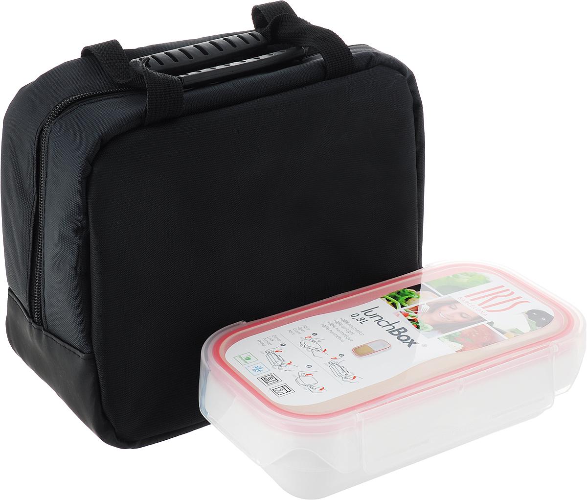 Термо ланч-бокс Iris Iris STUDIO BAG + контейнер 0,8л, цвет: черныйI9939-TWЛанчбокс Studio Bag внутри покрыт теплоизолирующим материалом и закрывается на молнию. Ваша еда длительное время будет сохранять свою свежесть и вкус. Универсальный дизайн позволяет носить Studio Bag либо в руках либо не ремне через плечо (ремень регулируется по длине). В комплект входит: Два плоских герметичных контейнера 0,6л с ударопрочными плотно закрывающимися крышками. Специальная форма контейнеров делает их очень удобным для приема пищи. Вы едите буквально как дома из тарелки. Пластиковые приборы: ложка, вилка и нож. Лежат в специальном прозрачном пенале. Легко мыть и удобно хранить.