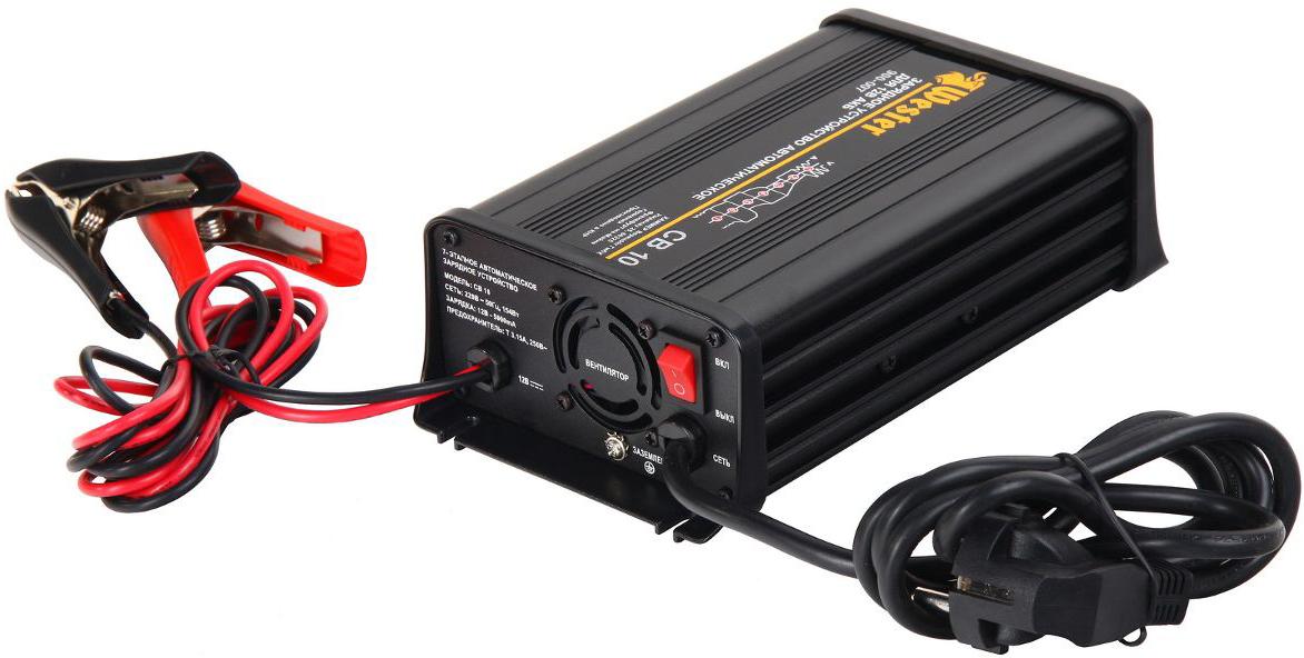 Зарядное устройство автоматическое Wester CB10, 154Вт, 12В, 5А, 7 этапов74245Зарядные устройства предназначены для заряда 12В АКБ. Позволяют заряжать свинцово кислотные аккумуляторы емкостью от 35 до 100Ач всех типов (например, с жидким электролитом, гелевые, AGM, так же герметичные, необслуживаемые, кальцевые)ПРЕИМУЩЕСТВА: - ЗУ является полностью автоматическим импульсным, не требуется следить за временем заряда и состоянием электролита - Все стадии полностью автоматизированы, процесс не сопровождается кипением - Позволяет восстанавливать аккумуляторы, разряженные до напряжения 2 Вольта - Наглядная светодиодная индикация процесса заряда - Защита от переполюсовки, короткого замыкания и перенапряжения в АКБ - Возможность оставить АКБ на длительное время с подключенным ЗУ - Принцип 7-этапного полностью автоматического заряда исключает повреждение аккумулятора и обеспечивает максимально полный и равномерный заряд (десульфатирование, плавный старт, основной заряд, поглощение, диагностика, восстановление, буферный режим) Сетевое напряжение: 220В/50Гц Потребляемая мощность: 154Вт Выходное напряжение:12В (пост. ток) Ток заряда (макс): 5А Мин. напряжение АКБ: 2ВЭтапы заряда: 1)Тестирование и десульфатирование: импульсный заряд, вплоть до напряжения на клеммах 11В 2)Плавный старт: половина от установленного номинального тока, до напряжения на клеммах 12В 3)Заряд макс. током: 5А до 14,4В 4)Поглощение: постоянное напряжение, пока ток заряда не упадет до 0,75А 5)Диагностика: контроль напряжения на клеммах в течение 90 секунд 6)Восстановление (уравнивающий заряд): постоянный ток 0,75А в течение 4 часов, с ограничением напряжения до 16В 7)Буферный режим: для поддержания уровня напряжения 13,8В, также с импульсным зарядом Емкость аккумулятора: 35-100АчКПД: >85% Термозащита: 65°С+/-5°С Вентилятор охлаждения с автоматическим контролем температуры срабатывания Температура окружающей среды: от -20°С до +50°С Защита от перенапряжения