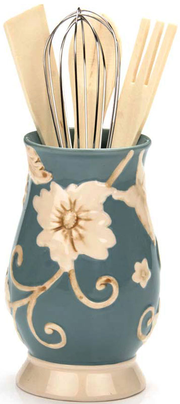 Набор кухонных аксессуаров Loraine, цвет: голубой, 4 предмета. 22447-122447-1Подставка с набором кухонных принадлежностей выполнена из доломитовой керамики в форме вазы и декорирована красочным объемным изображением. В наборе 5 предметов: подставка из доломита, деревянная ложка, деревянная вилка, деревянная лопатка и металлический венчик. Такой замечательный функциональный набор обязательно понравится каждой хозяйке и украсит любую кухню. Подходит для мытья в посудомоечной машине.