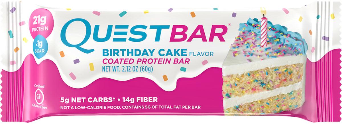 Батончик протеиновый Quest Nutrition QuestBar Birthday cake, 60 гQUEST-QB1P-BIRCQuestBar – батончик, по праву заслуживший звание протеиновый батончик №1 в мире. В чем секрет успеха? QuestBar – отличная замена тортов, пирожных и прочих сладостей. Он вкуснее и, в отличие от тортов, полезен для вашей фигуры и вашего здоровья.20г протеина исключительно из самых дорогих и самых качественных источников: изолята сывороточного и изолята молочного белка.Всего 5 граммов активных углеводов: в батончиках Quest используется совершенно новый современный инновационный ингредиент – растворимые пищевые волокна кукурузы. Он благотворно влияет на метаболизм и пищеварение, не дает организму ненужные углеводы и калории. Не вызывает резкого роста уровней сахара и инсулина при усвоении. В процессе перемещения по желудочно-кишечному тракту растворимые пищевые волокна под воздействием бактерий превращаются в короткоцепочечные жирные кислоты и усваиваются в толстом кишечнике. Таким образом вы не получаете бесполезные активные углеводы.Контролируйте углеводы для достижения вашей цели!Quest – первые батончики, которые вы можете есть, не испытывая угрызений совести.QuestBar – это оптимальное количество жиров из естественных источников. Никаких транс-жиров! Практически полное отсутствие насыщенных жиров. Только то, что необходимо для здоровья!В состав QuestBar входят настоящие фрукты, ягоды и орехи (источник чистых полезных жирных кислот)! Таким образом те 1-2 грамма простых углеводов (Sugars), которые присутствуют в QuestBar, – именно из этих натуральных источников! Никакого сахара!Добавлено настоящее пальмовое масло, полезное, не имеющее ничего общего с транс-жирами (производится непосредственно из мякоти плодов). Превосходит другие масла тем, что не окисляется и сохраняет структуру при нагревании (батончик можно подогреть или использовать в выпечке).Использованы подсластители: стевия, эритритол, сукралоза. Стевия – это растение, экстракт которого в 150 раз слаще сахара, не повышает уровень са