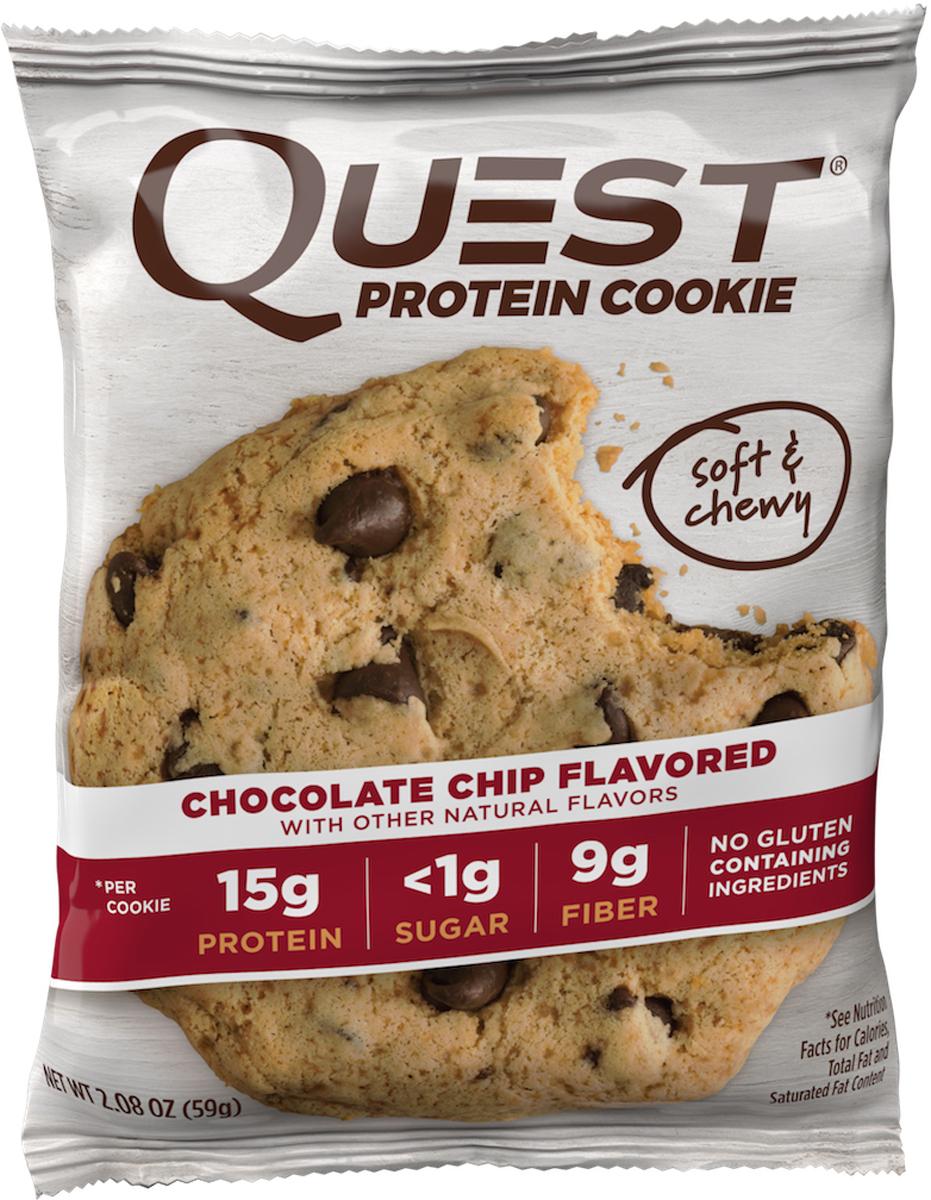 Порой вам просто необходимо съесть печенье.Мы в Quest Nutrition знаем, что порой наша слабость к некоторым продуктам - большая проблема. И именно поэтому мы испекли для вас Quest Protein Cookies! Потрясающе нежное, сладкое лакомство, которое можно всегда!Quest Protein Cookies - превосходное сочетание вкуса и идеальной пищевой ценности. 15 грамм белка, много клетчатки (Corn Fiber), минимум углеводов и натуральная сладость. Это печенье, которое можно есть без каких-либо угрызений совести.Четыре изумительных вкуса, которые никого не оставят равнодушным!ВЫ заслуживаете съесть печенье. ЭТО печенье! Состав: Белковая смесь (изолят молочного белка, изолят сывороточного белка), сливочное масло, растворимые волокна кукурузы (пребиотическая клетчатка), эритритол, шоколад без сахара, пальмовое масло, казеинат кальция, натуральные ароматизаторы, вода, масло какао. Содержит менее 2%: лецитин из подсолнечника, морская соль, пищевая сода, казеинат натрия, ксантовая камедь, стевия, арахис. Может содержать следы пшеницы, сои, яиц и орехов.