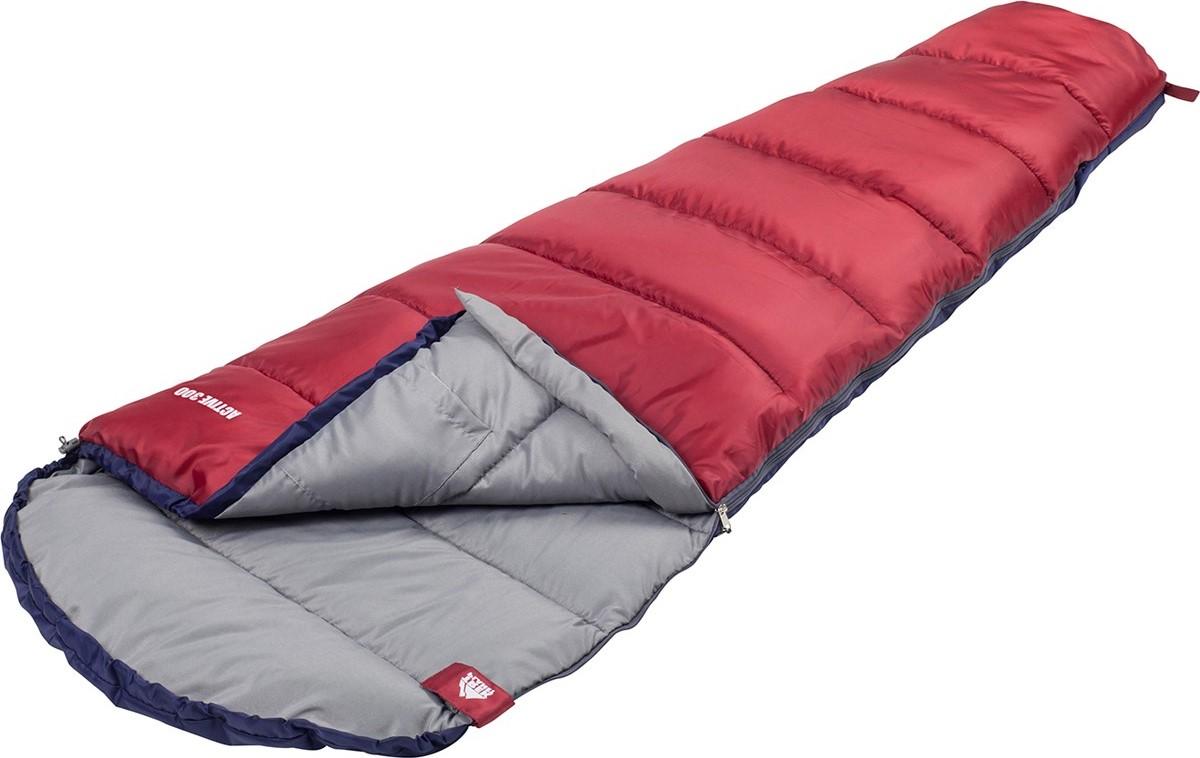Спальный мешок TREK PLANET Active 300 XL, цвет: синий, красный, левосторонняя молния70319-LКомфортный, легкий и компактный спальник-кокон увеличенного размераTREK PLANET Active 300 XL отлично подойдет всем любителям уюта икомфорта во время летнего активного отдыха. Этот спальник пригодитсявам во время поездки на пикник, на дачу, во время туристического походапреимущественно в летний период, но сохранит уют и тепло даже припохолодании до +6 градусов! Особенности: - удобный глубокий капюшон, - затягивающаяся шнуровка по краю капюшона, - увеличенная ширина - 95 см, - молния с левой стороны, - терм клапан вдоль молнии, - внутренний карман, - небольшой вес,- к спальнику прилагается чехол для удобного хранения и переноски.Характеристики: Внешний материал: 100% полиэстер.Внутренний материал: 100% полиэстер. Утеплитель: Hollow Fiber 1x300 г/м2. Размер: 225 х 95(55) см. Размер в чехле: 23 х 23 х 41 см. Вес: 1,4 кг.