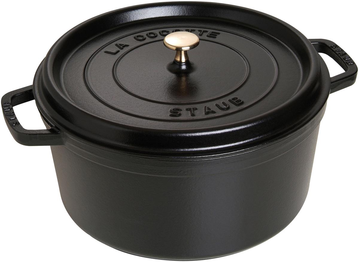 Кокот Staub, круглый, цвет: черный, 8,35 л1103025Вся продукция Staub предназначена для сохранения вкусовых и питательных качеств продукта, она подходит как искусным поварам, так и любознательным дебютантам, готовым познать удовольствие от вкусной и здоровой пищи. Эмалированный чугун – это сплав обогащенного углем железа, покрытого эмалью, изготовленной на основе стекла. Это один из самых лучших материалов, который не только удерживает тепло, но и сохраняет холод. Каждое изделие имеет свои особенности и нюансы, поскольку отливается в индивидуальных формах из песка, которые разрушаются после каждого использования, эти неровности ни в коем случае нельзя воспринимать, как недостатки!Отличительные особенности Staub:• Декоративная латунная или никелевая ручка может использоваться в духовке до 200°С• Внешнее покрытие – 2 слоя эмали, чугун, внутреннее покрытие 2-слоя черной эмали • Пригодна для мытья в посудомоечной машине• Подходит для всех типов плит• Можно использовать в духовке, кроме посуды с деревянной ручкой Рекомендации по уходу за посудой:• Промойте Вашу посуду в теплой воде, дайте ей высохнуть. Смажьте внутреннюю поверхность кастрюли растительным маслом. Прогрейте ее в течение нескольких минут на медленном огне, а затем удалите остатки масла. Ваша посуда готова к использованию!• Кастрюля должна нагреваться постепенно ( так как эмалированный чугун можно использовать на индукционных варочных поверхностях, ВАЖНО при предварительным нагревании использовать треть мощности плиты в течении 5-7 минут).• Подберите величину конфорки соответствующей размеру дна Вашей посуды.• Используйте лопатки из силикона или дерева.• Не заливать горячую кастрюлю холодной водой.Объем, указаны до края кокота.