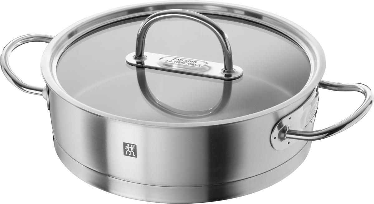 Кухонная посуда Zwilling Prime изготовлена из высококачественной нержавеющей стали 18/10, привлекает любителей кулинарного искусства и профессиональных поваров своим высокотехнологичным и эстетичным дизайном. Трехслойное дно Sigmabond (нержавеющая сталь 18/10, диск из сверхпрочного алюминия, магнитная нержавеющая сталь), расположенное под прямым углом к поверхности, обеспечивает быстрое и равномерное распределение тепла по всей площади. Это уменьшает риск пригорания, даже при использовании на газовых плитах. Отличительные особенности Zwilling Prime:• Качественно отшлифованная поверхность • Ручки защищены от нагрева• Плоская стеклянная крышка позволяет контролировать состояние процесса готовки• Мерная шкала для удобства соблюдения рецептуры• Загнутый край для слива без брызг• Отличная теплопроводимость, благодаря утолщенному алюминиевому диску• Высококачественная хромистая сталь 18/10 с магнитными свойствами (равномерное распределение тепла по всему дну и стенкам кастрюли)• Подходит для всех типов плит• Пригодна для мытья в посудомоечной машине.Уход: Мыть сразу после использования жидким моющим средством без применения абразивов. Внимание!!! Пустую жаровню не подвергать воздействию высоких температур. Объем, указан до края жаровни. Не заливать горячую жаровню холодной водой.