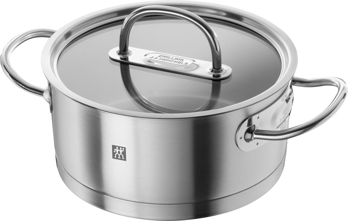 Кухонная посуда Zwilling Prime изготовлена из высококачественной нержавеющей стали 18/10, привлекает любителей кулинарного искусства и профессиональных поваров своим высокотехнологичным и эстетичным дизайном. 3х-слойное дно Sigmabond (нержавеющая сталь 18/10, диск из сверхпрочного алюминия, магнитная нержавеющая сталь), расположенное под прямым углом к поверхности, обеспечивает быстрое и равномерное распределение тепла по всей площади. Это уменьшает риск пригорания, даже при использовании на газовых плитах. Отличительные особенности Zwilling Prime:• Качественно отшлифованная поверхность • Ручки защищены от нагрева• Плоская стеклянная крышка позволяет контролировать состояние процесса готовки• Мерная шкала для удобства соблюдения рецептуры• Загнутый край для слива без брызг• Отличная теплопроводимость, благодаря утолщенному алюминиевому диску• Высококачественная хромистая сталь 18/10 с магнитными свойствами (равномерное распределение тепла по всему дну и стенкам кастрюли)• Подходит для всех типов плит• Пригоден для мытья в посудомоечной машинеОбъем, указан до края сотейника. Не заливать горячий сотейник холодной водой.