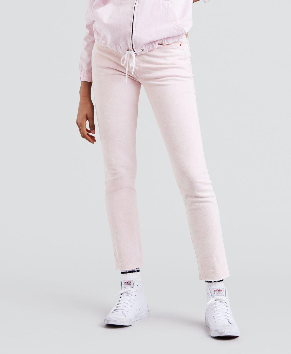 Джинсы женские Levis® 501 Skinny, цвет: розовый. 2950200420. Размер 23-28 (38-28)2950200420Джинсы Levis в силуэте скинни выполнены из высококачественного материала. Высокая посадка и идеально зауженные к низу. На поясе предусмотрены шлевки для ремня. Модель имеет классический пятикарманный крой: спереди - два втачных кармана и один маленький накладной, а сзади - два накладных кармана.