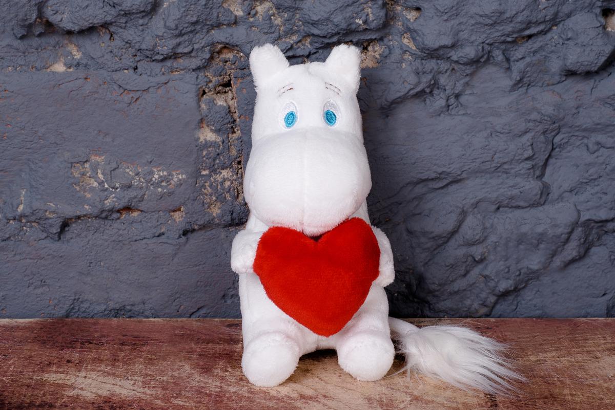Moomin Мягкая игрушка Муми-тролль с сердцем 14 см moomin мягкая игрушка фрекен снорк 27 см