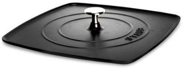 Крышка-пресс Staub, для сковороды-гриль, цвет: черный, 30 х 30 см1203123Крышка изготовлена из чугуна. Горячую крышку не класть на холодную мокрую поверхность и не подставлять ее под холодную воду. Мыть жидким моющим средством, без применения абразивных веществ и металлических губок. После мытья вытереть насухо во избежании появления пятен на поверхности крышки.