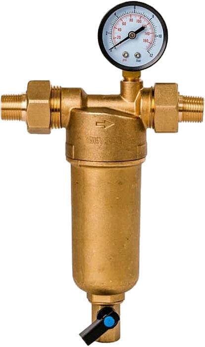 """Магистральный фильтр """"Гейзер Бастион 122"""" с манометром для холодной и горячей воды 1/2""""  Фильтр с манометром для предварительной очистки холодной и горячей воды от механических примесей - частиц ржавчины, волокон пеньки, песчинок, защиты сантехники, бытовой техники подключенной к водопроводу.  Фильтр имеет компактные размеры и спроектирован для монтажа в местах с ограниченным пространством; устанавливается на горизонтальном трубопроводе чашей вниз.  Изделие состоит из корпуса, манометра и промываемого картриджа. В обычном режиме вода проходит через сетчатый элемент к выпускному отверстию корпуса. Для осуществления промывки необходимо открыть шаровой клапан, выпускающий скопившиеся на дне чаши фильтра примеси; подача воды при этом не прерывается. Фильтр имеет большой запас прочности по максимальному рабочему давлению.  Сменная фильтрующая сетка изготовлена из нержавеющей стали и, при необходимости, заменяется на другую без демонтажа фильтра. В комплекте подключения имеется американка и фитинг 3/8 JG.   Технические характеристики:  Тип соединений: наружные резьбовые Присоединительный размер: 1/2"""" Диаметр фильтра: 60 мм. Обратная промывка: нет Наличие манометра: есть Наличие редуктор давления: нет Наличие компенсатора: нет Пористость фильтра: 90 мкм. Рабочее давление: до 16 атм. Температура очищаемой воды: до 80 С Материал чаши фильтра: латунь Материал корпуса: латунь"""