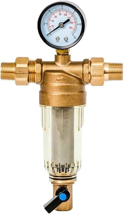 Предфильтр Гейзер Бастион 7508165233, с манометром, для холодной воды 1/232676Магистральный фильтр Гейзер Бастион 7508165233 с манометром для холодной воды 1/2Фильтр с манометром для предварительной очистки холодной воды от механических примесей - частиц ржавчины, волокон пеньки, песчинок, защиты сантехники, бытовой техники подключенной к водопроводу.Фильтр имеет компактные размеры и спроектирован для монтажа в местах с ограниченным пространством; устанавливается на горизонтальном трубопроводе чашей вниз.Изделие состоит из корпуса, манометра и промываемого картриджа. В обычном режиме вода проходит через сетчатый элемент к выпускному отверстию корпуса. Для осуществления промывки необходимо открыть шаровой клапан, выпускающий скопившиеся на дне чаши фильтра примеси; подача воды при этом не прерывается. Удобство слежения за степенью загрязнения фильтра обеспечивается прозрачностью его корпуса. Фильтр имеет большой запас прочности по максимальному рабочему давлению.Сменная фильтрующая сетка изготовлена из нержавеющей стали и, при необходимости, заменяется на другую без демонтажа фильтра. В комплекте подключения имеется американка и фитинг 3/8 JG. Технические характеристики:Тип соединений: наружные резьбовые Присоединительный размер:1/2 Диаметр фильтра: 53 мм Обратная промывка: нет Наличие манометра: есть Наличие редуктор давления: нет Наличие компенсатора: нет Пористость фильтра: 90 мкм. Рабочее давление: до 16 атм. Температура очищаемой воды: до 30 С Материал чаши фильтра: латунь Материал корпуса: ударопрочный прозрачный синтетический материал.