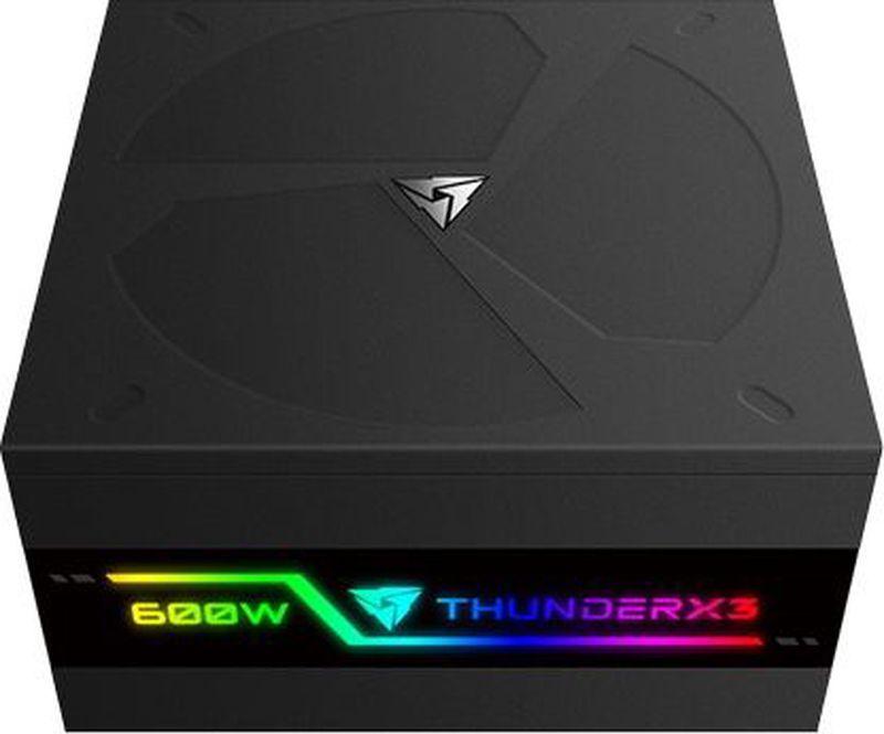ThunderX3 Plexus 600, Black блок питания для компьютераTX3-PL60FECСертификация 80-Plus GoldУдивительная RGB подсветкаСверх тихий кулер 140 ммЯпонские конденсаторы 105°CМодульная система с плоскими кабелямиПолная защищенность OVP, UVP, OCP, SCP, OPPПревосходные инженерные решения, первоклассные компоненты и полностью модульная конструкция делают этот идеальный блок питания для высокой производительности. 12 различных режимов подсветки, включая 5 вариантов RGB и 7 ярких цветов, сделают вашу систему удивительной.