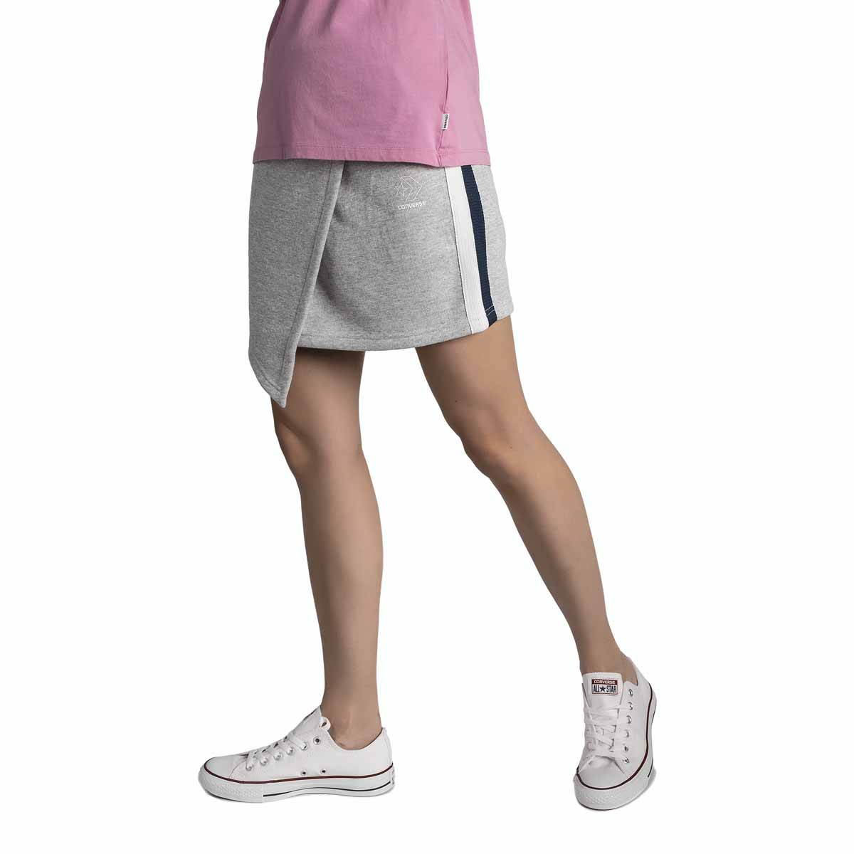 Юбка Converse Star Chevon Track Skirt, цвет: серый. 10005759035. Размер XS (42) свитшот женский converse star chervon track cropped crew цвет серый 10005758035 размер xs 42