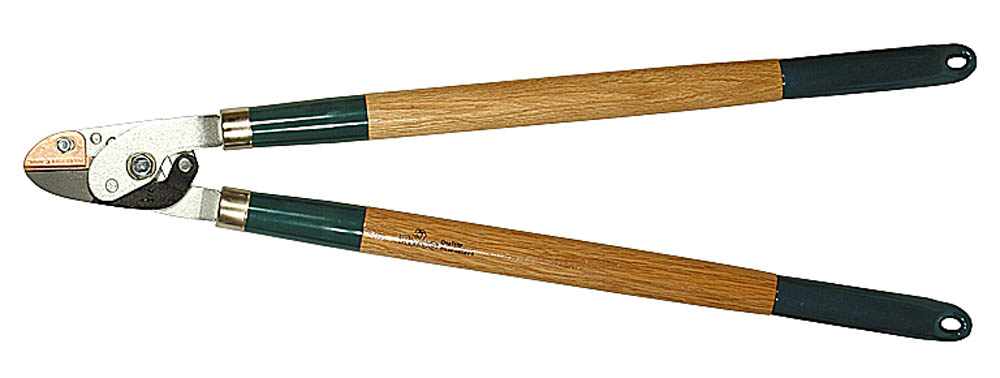 Сучкорез Raco, 2-рычажный, с упорной пластиной, рез до 36 мм, 700 мм. 0921509215Сучкорез RACO предназначен для обрезки веток кустарников или деревьев. Высококачественные стальные лезвия закалены и остро заточены, что обеспечивает чистый рез. Покрытие RACO-Hitekflon® гарантирует износостойкость, защиту от коррозии и простоту чистки лезвий. Двухрычажный механизм значительно увеличивает силу реза. Размер изделия: 700 мм. Максимальный диаметр реза: 36 мм.