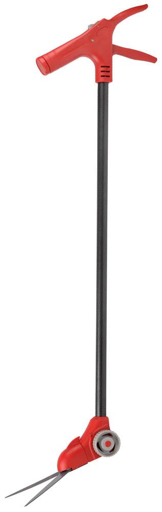 Ножницы для стрижки травы Grinda, поворотный механизм 180 градусов, на удлинителе и подставке с колесиками, 965 мм58409Ножницы для стрижки травы сделают процесс ухода за газоном не только полезным, но и приятным. Все изделия оснащены остро заточенными закаленными лезвиями из высокоуглеродистой стали с фиксатором и прочными эргономичными рукоятками, обеспечивающими надежный захват и комфортную работу. Применяются для стрижки травы и ухода за газонами. Лезвия их закаленной высококачественной углеродистой стали, остро заточены и закалены, что гарантирует чистый и ровный рез. Покрытие Teflon защищает лезвия о коррозии и препятствует прилипанию грязи. Поворотный механизм лезвий относительно ручек позволяет выполнять работы в труднодоступных метах. Ручки изготовлены из ударопрочного ABS-пластика обеспечивающего защиту изделия от внешних воздействий. Штанга на платформе с колесиками позволяет подстригать траву, не нагибаясь, что значительно снижает утомляемость. Штанга имеет специальное защитное покрытие Hammertone, обеспечивающее защиту от коррозии. Специальное отделение в ручке для хранения абразивного камня. Угол поворота лезвия: 180°.