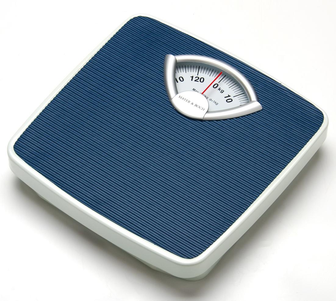 Mayer & Boch MB-24292 напольные весы24292Стильные и надежные механические напольные весы Mayer & Boch предназначены для точного отображения вашего веса, максимальная нагрузка – 120 - 130 кг. Весы имеют компактную форму, приятный внешний вид, нескользящее силиконовое покрытие платформы и удобное прочтение цифр. Могут измерять с точностью до 1 кг. Такие весы всегда помогут вам держать себя в хорошей форме!