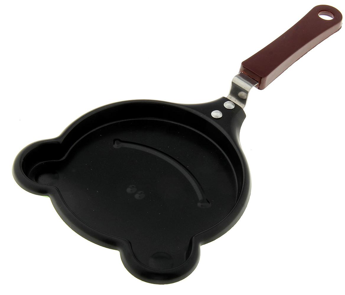 Сковорода Лягушка, с антипригарным покрытием122269Готовка - творческое занятие. Мини-сковорода с формой внутри сделает процесс ещё интереснее.Достоинства изделия:позитивный рисунок ровно отпечатывается на тесте;антипригарное покрытие помогает снизить расход масла;удобная ручка с петлёй облегчает хват и хранение предмета.Сковорода прекрасно подходит для приготовления оладий.