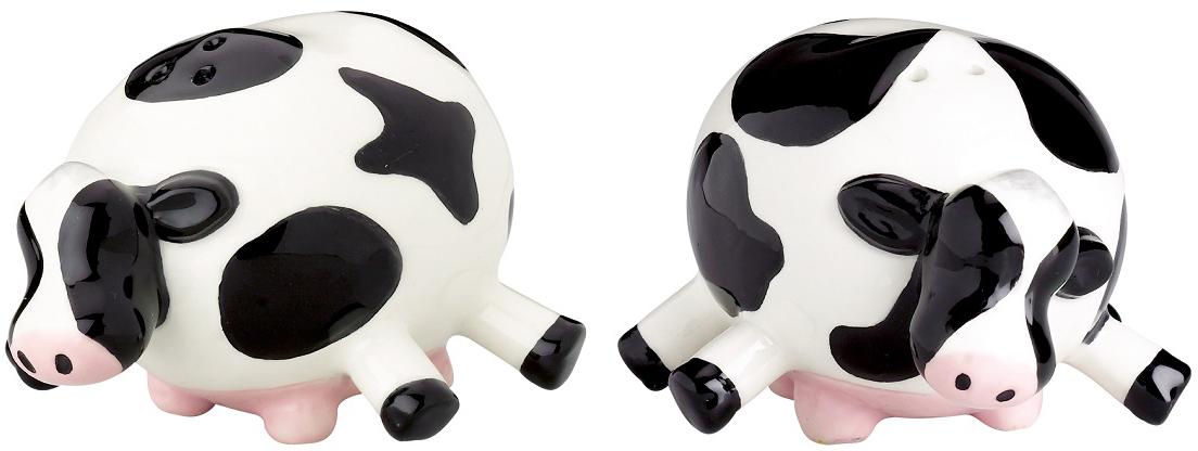 Набор для специй Boston Udderly Cows, 2 предмета75916Аксессуары Boston - это то, что нужно для идеального начала дня и гармоничного оформления интерьера кухни. Кружки, декорированные ручной росписью, оригинальные держатели и подставки для столовых приборов, подносы и наборы для специй, дизайнерские прихватки - в этой коллекции есть то, чего так не хватало вам для завершения оформления кухни.Высота: 5 см Ширина: 5 см Длина: 6,4 см.