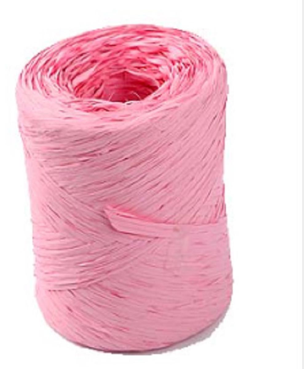 Рафия Veld-Co, цвет: розовый, длина 200 м50046Рафия Veld-Co, изготовленная из ПВХ, широко применяется для упаковкиподарков, оформления цветочных композиций. Также подойдет и в декореработ в стиле скрапбукинг. Окрашенную в разные цвета рафию можноиспользовать в качестве ленты для украшения подарочных коробочек.