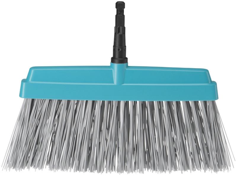 """Щетка """"Gardena"""" предназначена для чистки террас. Высококачественный пластиковый корпус и гибкие полипропиленовые пучки щетины."""