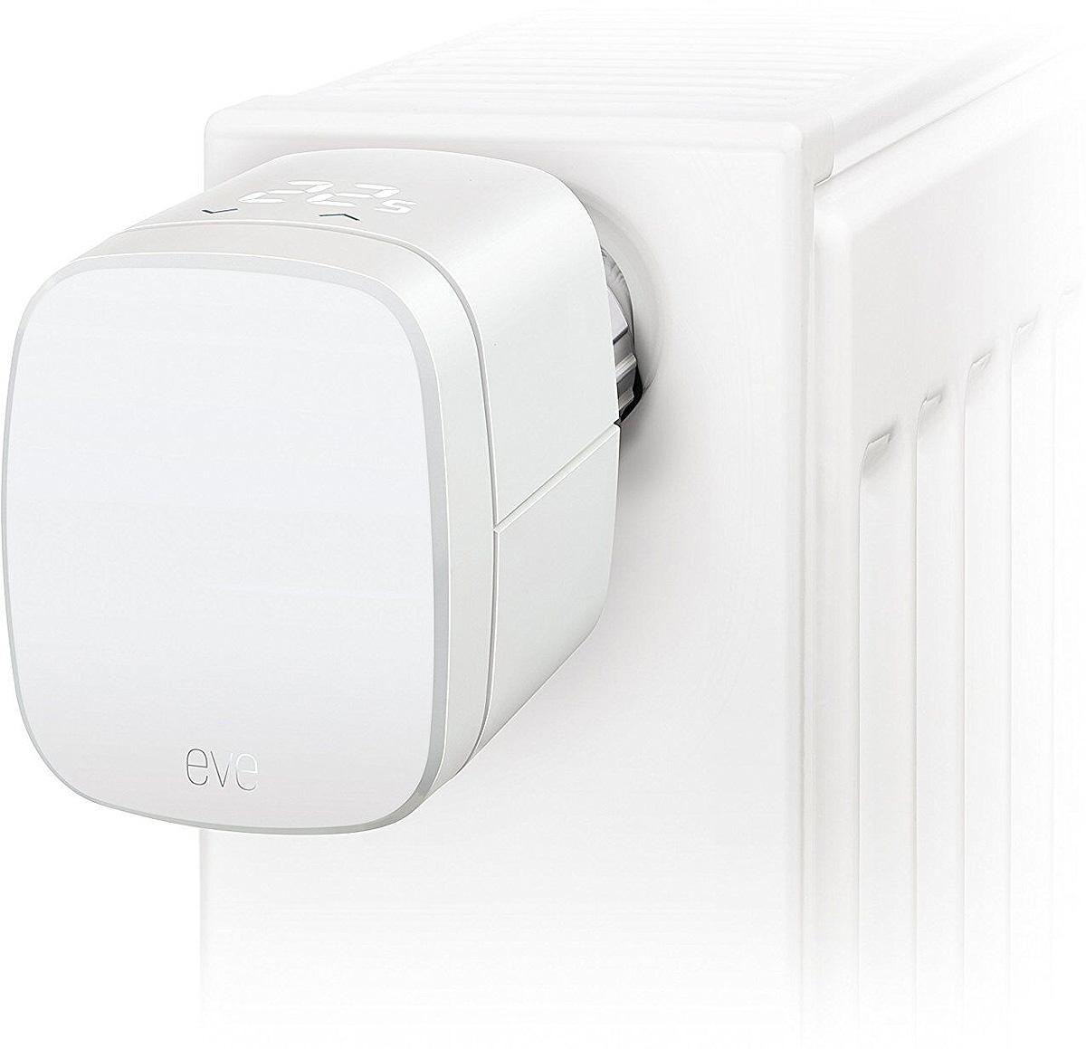Elgato Eve Thermo 2017 термостат для регулирования температуры комнатных радиаторов10EAR1701Термостат Elgato Eve Thermo 2017 для регулирования температуры комнатных радиаторовСEve Thermo вы сможете легко контролировать температуру в помещении на ваших условиях.Наслаждайтесь удобством интуитивного управления, как никогда раньше.Подключите EveThermo напрямую к Вашему iPhone или iPad, используя технологию Bluetooth Smart, бездополнительных маршрутизаторов и хабов. При поддержке технологии HomeKit, Eve предлагаетпростоту использования, улучшенную безопасность и интеграцию с Siri.Термостатсинхронизируется с приложением, которое не просто отдает команды, но и собирает статистику оработе устройства — по часам, дням и неделям. В программе есть предустановленные настройки,но вы можете установить удобный вам профиль работы.Также существует возможностьустановки работы по расписанию. Достаточно выбрать уже установленный пресет или выставитьопределенную температуру с помощью нескольких простых касаний. А поскольку Eve Thermo —это по-настоящему умное устройство, оно точно будет знать, когда вы вернетесь домой, чтобыобеспечить вам комфортную температуру, не дожидаясь команды от вас или вашего iPhone. ХарактеристикиСовместимость клапана: M 30x1,5Адаптеры: Danfoss RA, RAW, RAVL Питание: 2 шт. AA заменяемые батарейкиБеспроводное соединение: Bluetooth 4.0 Smart Размеры: 54 x 67 x 85 мм