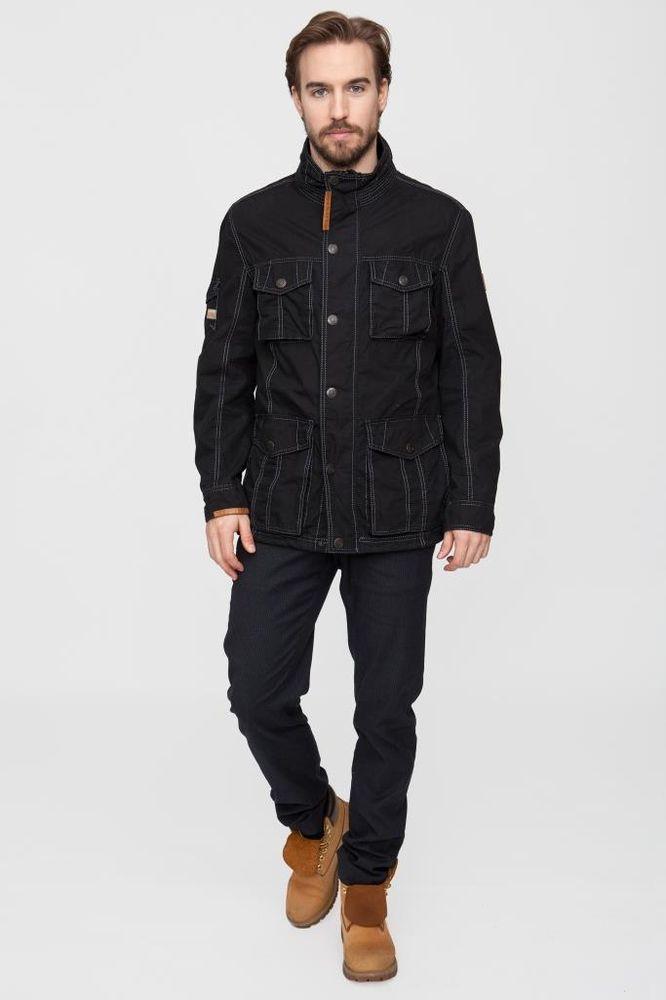 Куртка мужская Vizani, цвет: темно-синий. 10529_99. Размер 5610529_99Легкая мужская куртка от Vizani выполнена из плотного полиэстера. Подкладка оформлена теплоотводящей сеткой. Модель с длинными рукавами и воротником-стойкой застегивается на молнию и имеет ветрозащитный клапан на кнопках. Куртка дополнена множеством карманов.
