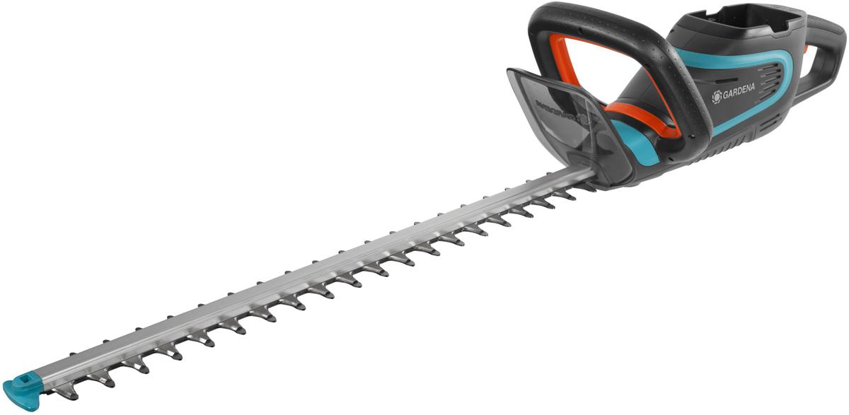 Легкие ножницы для живой изгороди PowerCut Li-40/60 с рукоятками эргономичной формы для удобной и безопасной стрижки живой изгороди различной высоты. Оптимальная конструкция ножей обеспечивает эффективный, быстрый и ровный срез ветвей. Сменный литий-ионный аккумулятор с индикатором уровня заряда для большей свободы передвижения и продолжительной работы. Наконечник для защиты от ударов – предотвращает повреждение лезвия при работе близко к земле. Высококачественные лезвия - долговечные и надежные: точный, быстрый и чистый срез. Для бытовой эксплуатации по стрижке живых изгородей. Продается без аккумулятора литий-ионный BLi-40(09842-20.000.00), зарядного устройства (09845-20.000.00). Длина ножей 60 см, расстояние между ножами 24 мм. Гарантия 2 года.