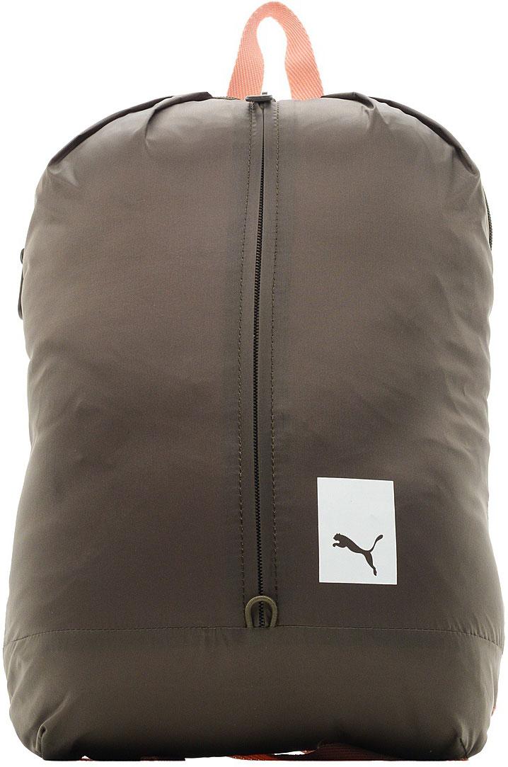Рюкзак женский Puma Prime Street Backpack, 8 л07515404Рюкзак имеет главное отделение на молнии с карманом, снабженным мягкой подкладкой, для ноутбука с экраном 13, отделение спереди с вертикальной застежкой-молнией, функциональную подкладку из полиэстера плотностью 150D с изнанкой из полиуретана, наплечные лямки регулируемой длины с мягкой подложкой, снабженные пластиковой фурнитурой, и ручку для переноски сверху. Обращенная к спине часть рюкзака прострочена и снабжена мягкой подкладкой. Символика Puma присутствует на язычках застежек-молний снаружи, на брелоке с надписью Puma, выполняющем функцию язычка застежки-молнии переднего отделения, а также в виде набивного логотипа Puma либо прорезиненного логотипа винтажной коллекции Puma спереди (в зависимости от цветового варианта).