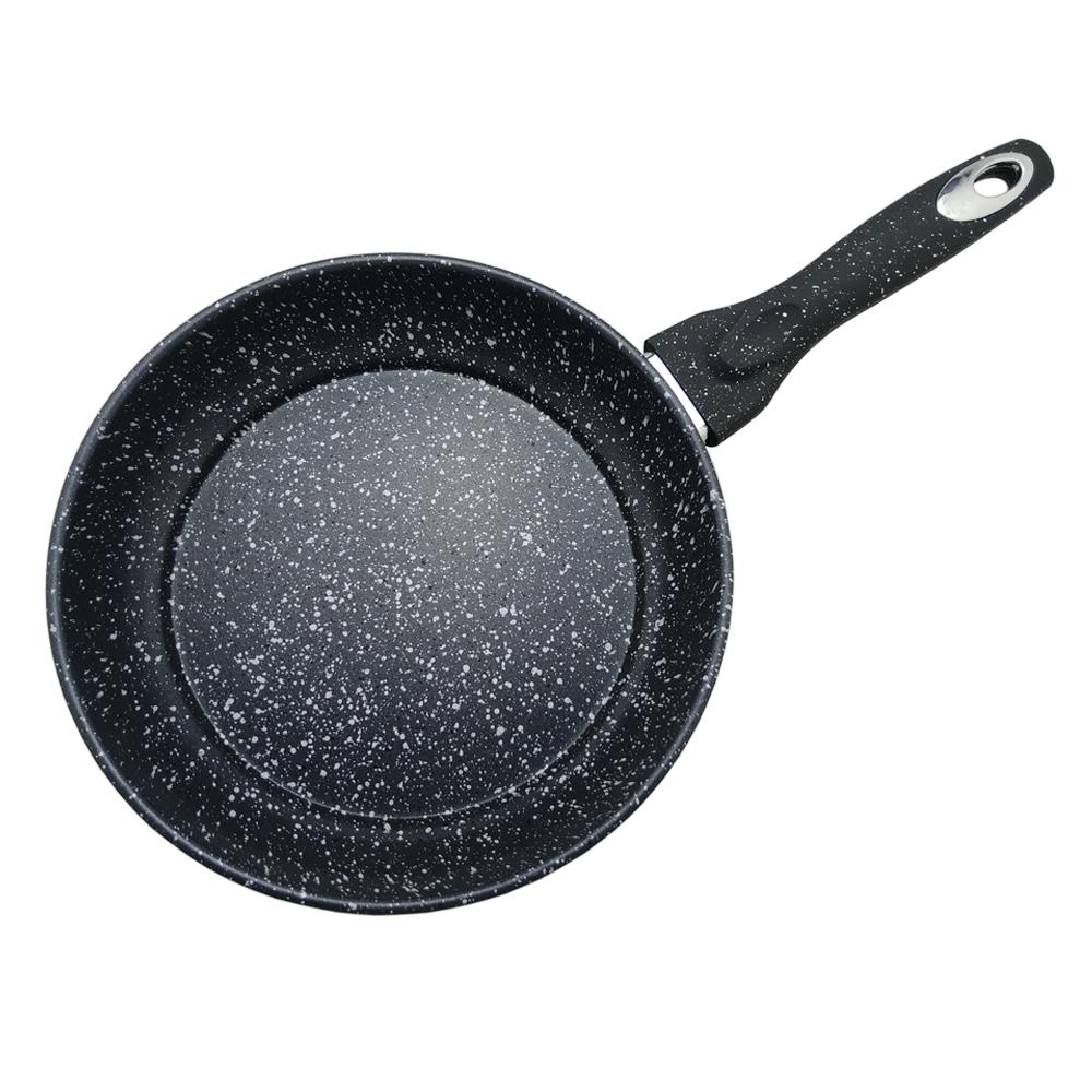 Антипригарное мраморное покрытие. Жаростойкое внешнее покрытие. Материал:  углеродистая сталь. Удобная эргономичная ручка. Подходит для всех видов плит.  Размер: 24х4,6 см.  Диаметр: 24 см.