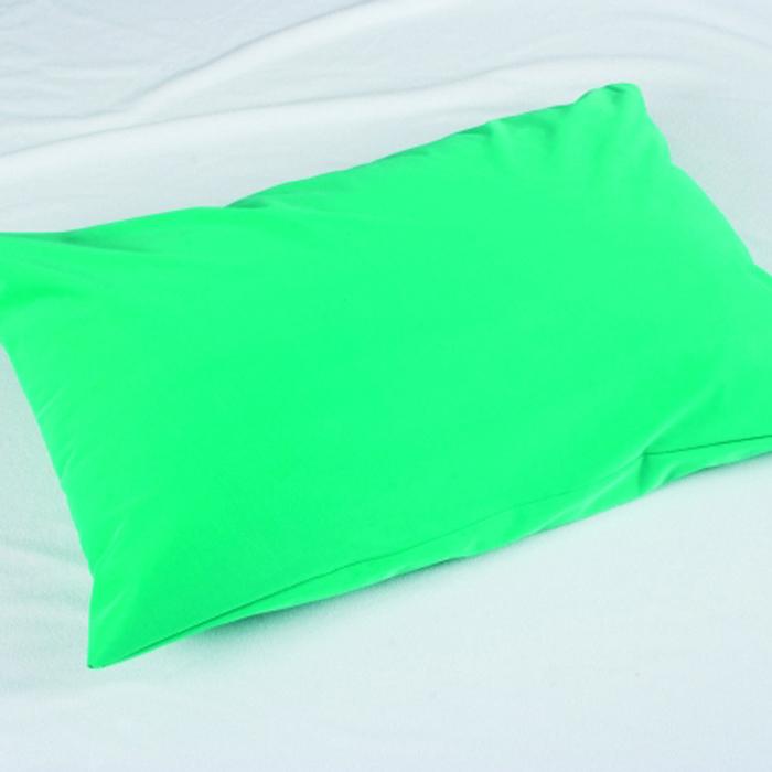 Caretex Наволочка водонепроницаемая для подушки Bielastic, цвет: зеленый, 50 х 70 см679752Наволочка водонепроницаемая для подушки Bielastic с молнией размером 50х70, цвет зеленый - уникальное защитное покрытие для любых подушек - незаменимая вещь для лежачих больных!Влагонепроницаемое покрытие для матрасов и подушек из прочного «дышащего» материала с полиуретановым покрытием - Bielastic. Предохраняет подушки от загрязнения. Защищает пациентов от проникновения вирусов, бактерий и аллергенов. Особенности:· Очень прочная и эластичная ткань, не рвется и не сминается в складки· Длительный срок службы· Можно стирать и сушить в стиральных машинах· Подлежит автоклавированиюОбласть применения:Незаменим в стационарах, реанимации, хирургии, роддомах, гинекологии, ожоговых центрах, домах престарелых, также во всех лечебно-профилактических учреждениях.Уникальное средство для тех, кому прописан постельный режим, или у кого есть маленькие дети.Проблема содержания подушек в чистоте имеет особо важное значение, как с гигиенической, так и с экономической точки зрения.