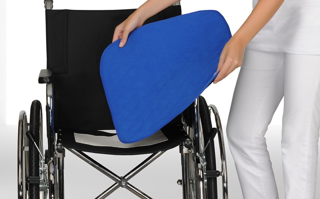"Caretex Непромокаемый коврик для инвалидной коляски ""ABSO"", цвет: бордо, 40 х 50 см"