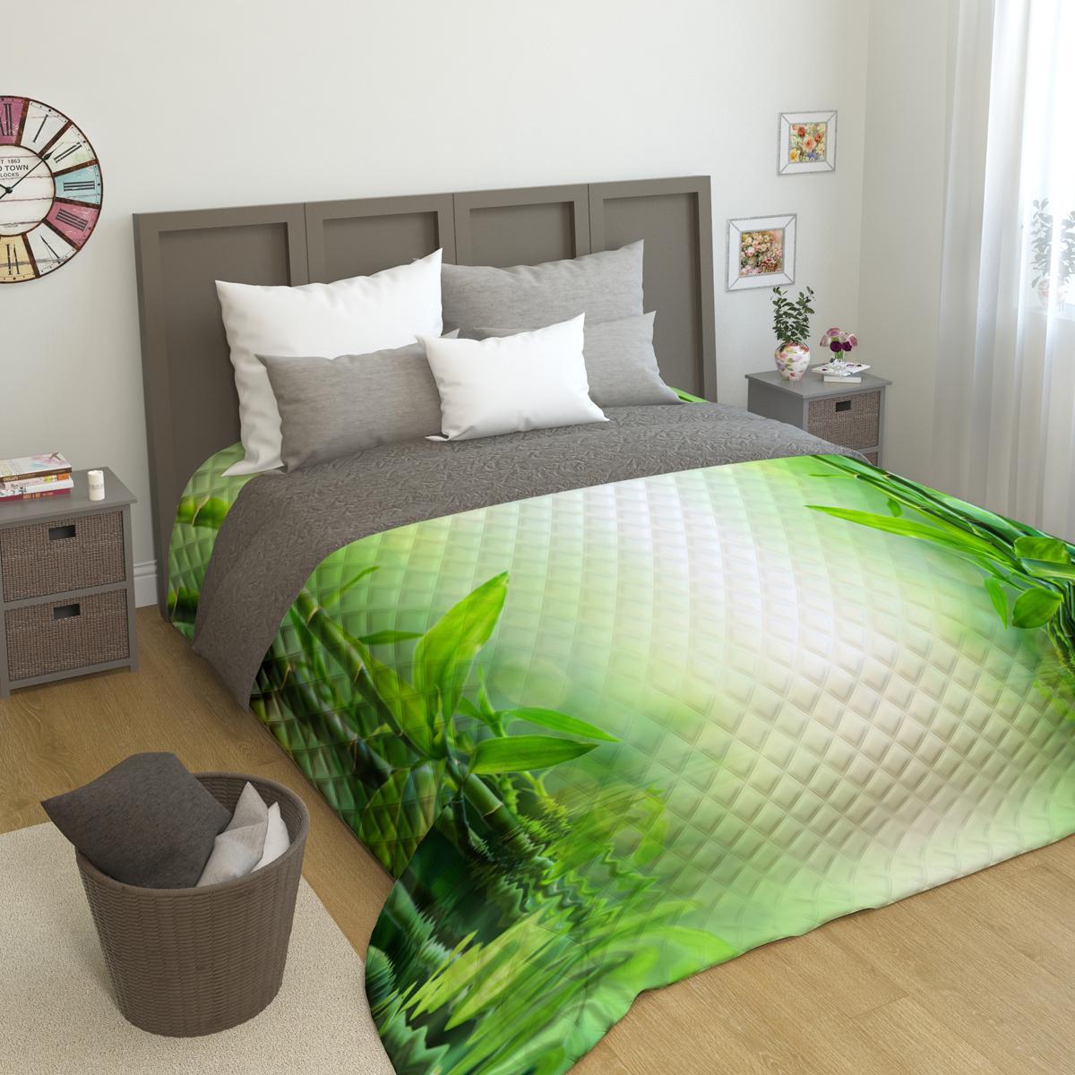 """Стеганое покрывало """"Сирень"""" - это правильный выбор для любой хозяйки. Стеганые покрывала выгодно преобразят дизайн любого интерьера спальни. При изготовлении используется плотная микрофибра. В сочетании со стильным и четким рисунком, созданным с помощью 3D фотопечати, стеганые покрывала всегда будут отличным приобретением для вашей спальни и подарком для друзей и близких! Рисунок стежки выполнен современным способом Ультрастэп (без использования ниток). Использование данного способа стежки защищает от миграции волокна во время стирки в деликатном режиме при температуре 30°С. Наволочки в комплект не входят. Покрывало легко стирать при 30-40°С, гладить при 150°С, не отбеливать. Цвет покрывала в комплектации может немного отличаться от представленного на фото."""