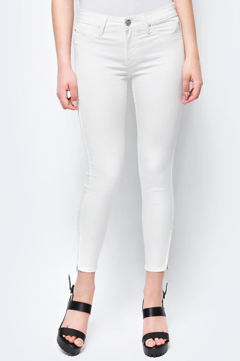 Брюки женские Lee Scarlett-Cropped, цвет: белый. L30CBF92. Размер 32-31 (48-31) джинсы женские lee scarlett high цвет синий l626hael размер 30 31 46 31