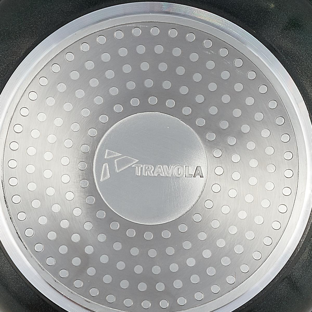 """Сковорода """"Travola"""" выполнена из прочного алюминия с антипригарным покрытием. Используемое  покрытие не содержит вредных для здоровья человека веществ, таких как свинец, кадмий и  PFOA. При соблюдении рабочих температур эксплуатации данное покрытие не вступает в  реакцию с пищей, что делает его абсолютно безопасным для приготовления любых блюд.   Ручка выполнена из качественного металла с силиконовым покрытием, благодаря чему не  нагревается, не плавится, обеспечивая безопасное использование при приготовлении.  Сковорода """"Travola"""" разработана для использования как на традиционных типах плит (газовые,  электрические, стеклокерамические, галогеновые), так и на самых современных - индукционных.  Рекомендации:  Промойте водой перед первым применением.  Не используйте  металлические щетки для очистки.  Запрещено мыть в посудомоечной машине.  Длина ручки: 17 см."""