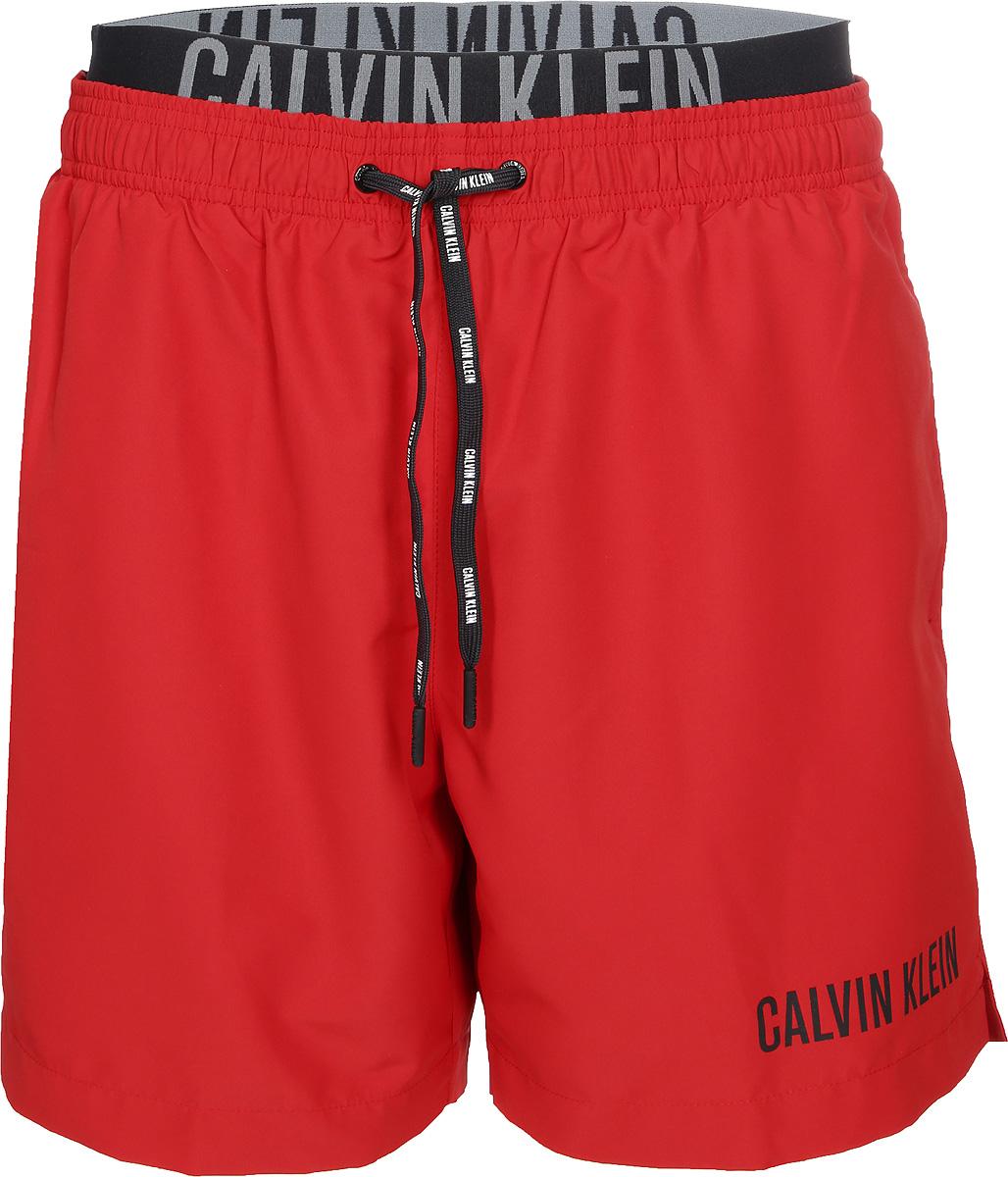 где купить Шорты купальные мужские Calvin Klein Underwear, цвет: красный. KM0KM00156_622. Размер XL (54) по лучшей цене