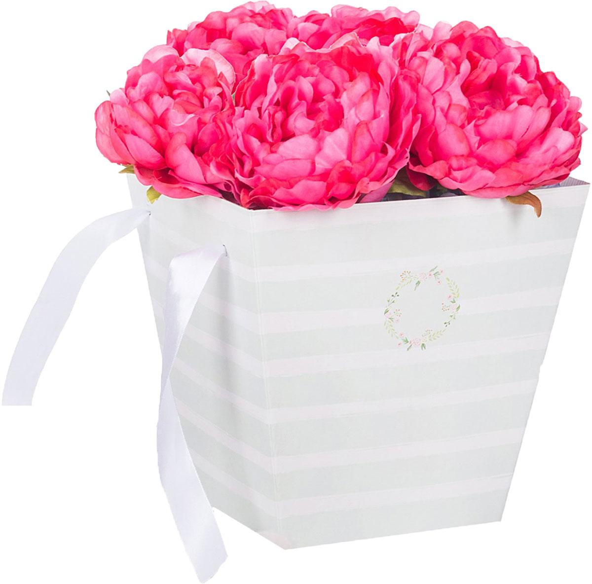 Любой подарок начинается с упаковки. Что может быть трогательнее и волшебнее, чем ритуал разворачивания полученного презента. И именно оригинальная, со вкусом выбранная упаковка выделит ваш подарок из массы других. Она продемонстрирует самые тёплые чувства к виновнику торжества и создаст сказочную атмосферу праздника. Коробка — это то, что вы искали.