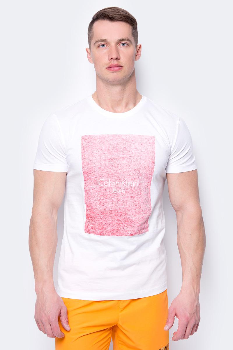 Фото Футболка мужская Calvin Klein Jeans, цвет: белый. J30J307507_1120. Размер XL (50/52)