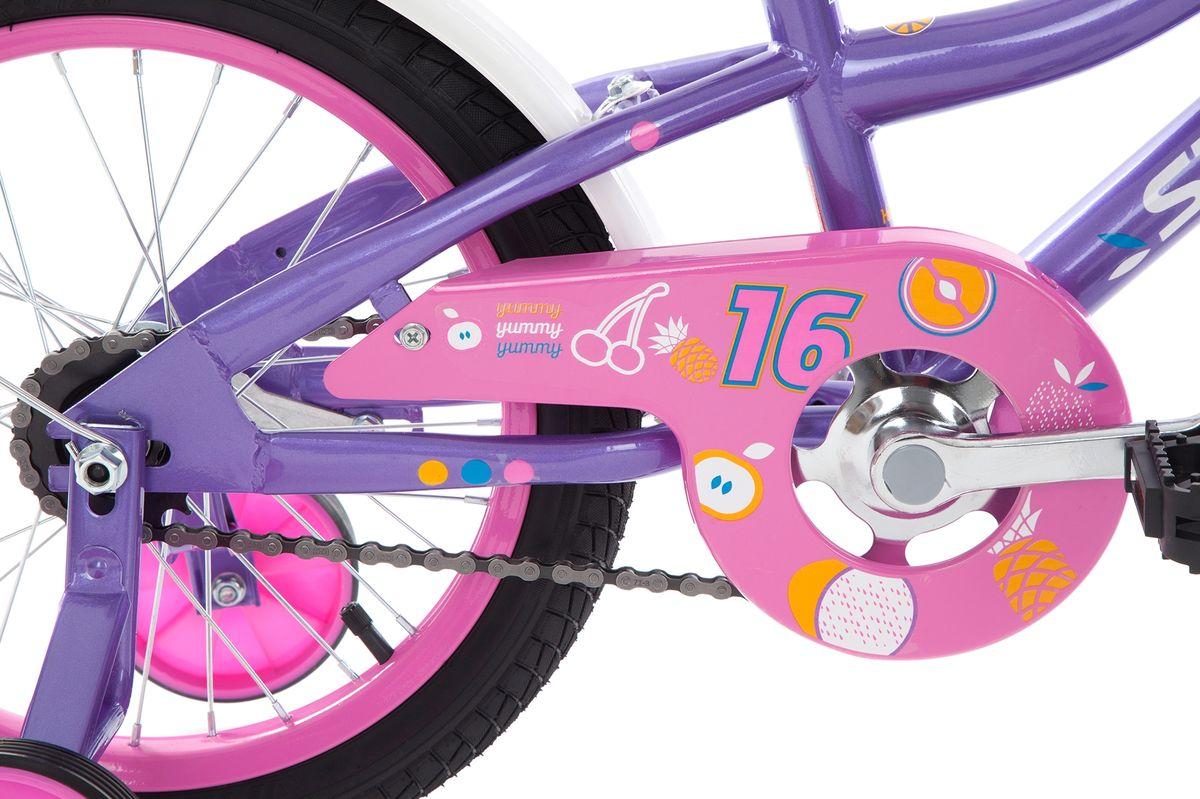 Специально для девочек младшего возраста (4-6 лет) разработан велосипед с размером колес 16 дюймов. Модель учитывает все особенности детской анатомии и подходит для роста 99-124 см. На велосипеде установлены клещевые тормоза, ограничитель поворота руля, защита цепи и светоотражатели.В комплект входят переднее и заднее крылья, а также съемные боковые колеса для обучения езде.Удобное седло с регулировкой обеспечивает максимально комфортное катание.Эргономичная рама выполнена из прочной стали Hi-ten steel.