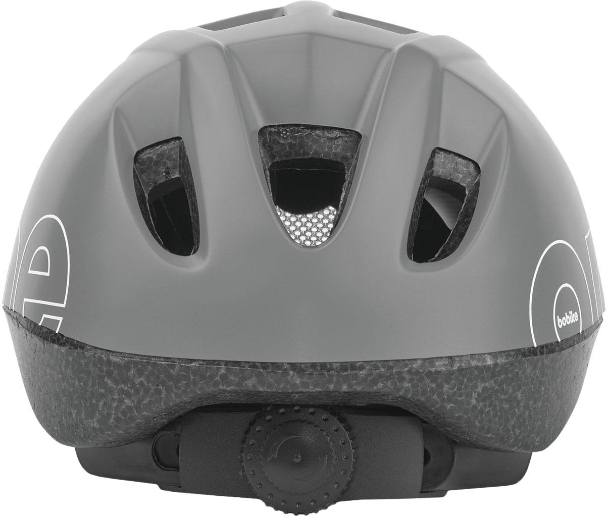 Девиз Bobike – просто безопасно! Важнейшей частью безопасного катания на велосипеде является шлем. Серия шлемов Bobike ONE – это качественные шлемы доступные в цветах кресел Bobike ONE. Вы сможете подобрать шлем отлично дополняющий Ваше кресло, велосипед и образ в целом. Лёгкая конструкция с улучшенной защитой затылка. 9 вентиляционных отверстий обеспечивают великолепную циркуляцию воздуха. Каждое вентиляционное отверстие закрыто противомоскитной сеткой, защищая голову от летящих насекомых. Шлем имеет регулировку размера для идеальной подгонки посадки шлема под голову вашего ребёнка и светоотражающую наклейку на затылке, увеличивающую заметность ребёнка на дороге. • Цвета в стиле кресел Bobike ONE• 9 вентиляционных отверстий• Регулировка размера на затылке• Светоотражающай элемент, для лучше заметности на дороге• Возраст от 1 до 6 лет• Размер XS: от 48 до 53 см• Вес: 230 г.