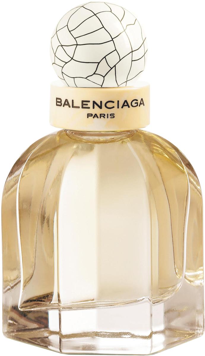 Balenciaga Paris Вода парфюмерная женская, 50 мл71000002000Парфюмерная вода Balenciaga Paris - сочетание прохладной свежести, солнечного тепла и сладости распустившихся бутонов в весеннем саду. За внешней легкостью аромата сокрыта невероятная глубина эмоций, пробуждающая жажду жизни. Композиция предназначается роскошной женщине, отличающейся природной харизмой и обаянием. Ее невозможно не заметить - лаконичный образ haute couture, лучезарный взгляд и игриво развевающиеся локоны.