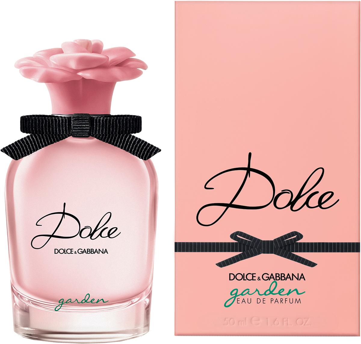 Dolce&Gabbana Dolce Garden Парфюмерная вода женская, 50 мл8400550DGПарфюмерная вода Dolce Garden Eau de Parfum – это восхитительный новыйцветок, распускающийся в сицилийском саду. Жизнерадостная солнечная аурацитрусовых и кремовых нот. С Dolce Garden цветок франжипани входит в букетсемьи ароматов Dolce.В обласканных солнцем верхних нотах лучатся сиянием сочный мандарин,яркие нероли и воздушная магнолия. Кокосовая эссенция, уникальныйнатуральный экстракт из белой мякоти плода, подчеркивает кремовуюсвежесть цветочных лепестков франжипани. Шелковистый миндальный аккорднапоминает о традиционных сладких благоуханиях Сицилии. Обогащенныйабсолю ванили и экстрактом сандалового дерева, он продлевает в шлейфеизысканную чувственность нот франжипани.