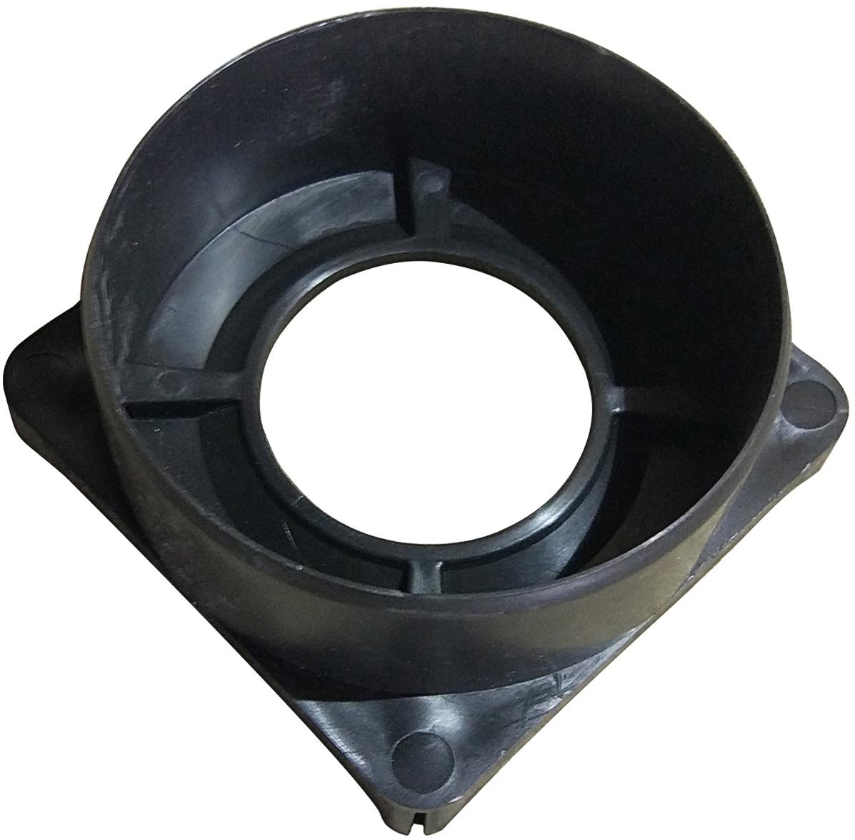 Патрубок пластиковый с выпускным диаметром ДУ110. Устанавливается на лоток снизу в нужную секцию для подключения трубного вертикального выпуска из лотка, после прорезания дна пластикового канала.