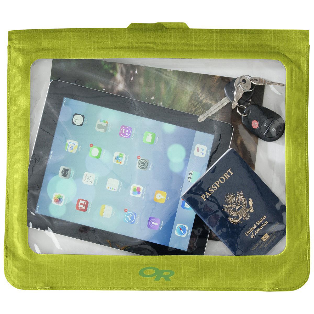 Гермочехол для электроники Outdoor Research Sensor Dry Envelope Large Lemongrass, цвет: зеленый2501600489Полностью непромокаемый гермочехол для планшета Outdoor Research сохранит ваше электронное устройство от попадания влаги. Сенсорный экран позволяет пользоваться планшетом в любых экстремальных условиях. Чехол имеет герметичную застежку.