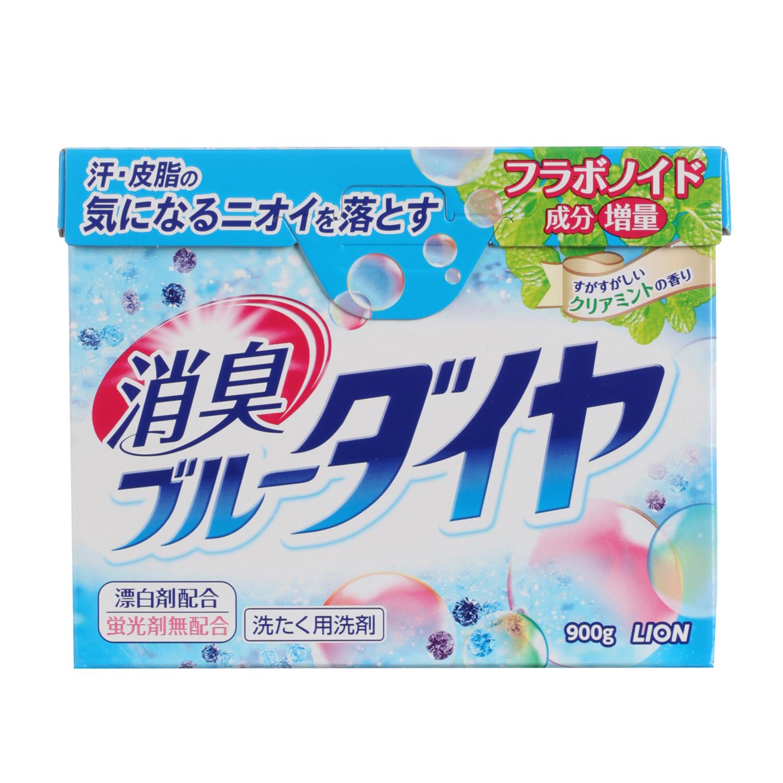 Стиральный порошок Lion Blue Diamond, 900 г19368Высокоэкономичный стиральный порошок предназначен для ручной и автоматической стирки белья из хлопка, синтетики и смешанных тканей.Содержит ферментный отбеливатель, который безопасен даже для цветного белья, а также антибактериальные компоненты, устраняющие неприятные запахи. Эффективно выводит масляные и белковые пятна. Отлично справляется с самыми трудными загрязнениями уже при 30°С.Компоненты, придающие аромат, глубоко проникают в волокна ткани и придают белью и вещам нежный аромат луговых трав.Порошок легко растворяется в воде. Экологически чистое средство!В случае сильных загрязнений, а также при большом объеме белья, количество используемого порошка можно увеличить на 10%. Порошок укомплектован мерной ложечкой! ВНИМАНИЕ! Порошок содержит флуоресцирующий усилитель белизны, поэтому не подходит для стирки тканей с незакрепленными красителями и тканей светлых тонов. Характеристики: Вес: 900 г. Состав: ПАВ 24%, натрий-эфир R-фосфат жирной кислоты, компонент чистой мыльнойосновы (натрий жирной кислоты), полиокси-этилен-эфир-алкил), смягчающий воду компонент(алюминосиликат), щелочной элемент (углекислая соль),ускоряющий растворение компонент,ферментный отбеливатель, флуорес-цирующий усилитель белезны, ферменты. Производитель: Япония. Артикул: 19368. Японская бытовая химия - это эффективность, высочайшее качество, экономичность ибезопасность применения. Компания Lion, основанная в октябре 1891 г, является одним из лидеров в Японии попроизводству косметической продукции и бытовой химии. Четыре исследовательских центракомпании постоянно занимаются разработкой новой продукции, а также совершенствованием ужеимеющейся. Компания Lion стремится к тому, чтобы делать жизнь людей счастливее ирадостнее. УВАЖАЕМЫЕ КЛИЕНТЫ!Обращаем ваше внимание на возможные изменения в дизайне упаковки. Поставкаосуществляется в зависимости от наличия на складе.