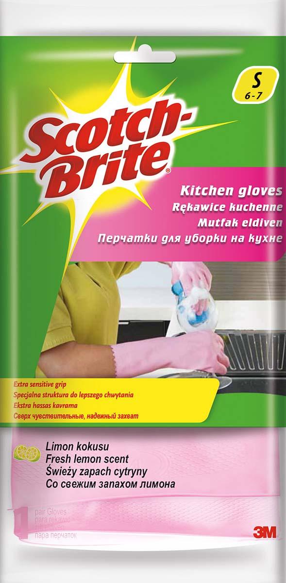 Перчатки для уборки на кухне Scotch-Brite, с запахом лимона. Размер S5697Перчатки для уборки на кухне Scotch-Brite, изготовленные из натурального латекса, защитят руки от соприкосновения с чистящими и моющими средствами. Хлопковое напыление внутри впитывает влагу, оставляя кожу рук сухой. Эластичные и прочные перчатки специально предназначены для многократного использования. Имеют свежий аромат лимона.
