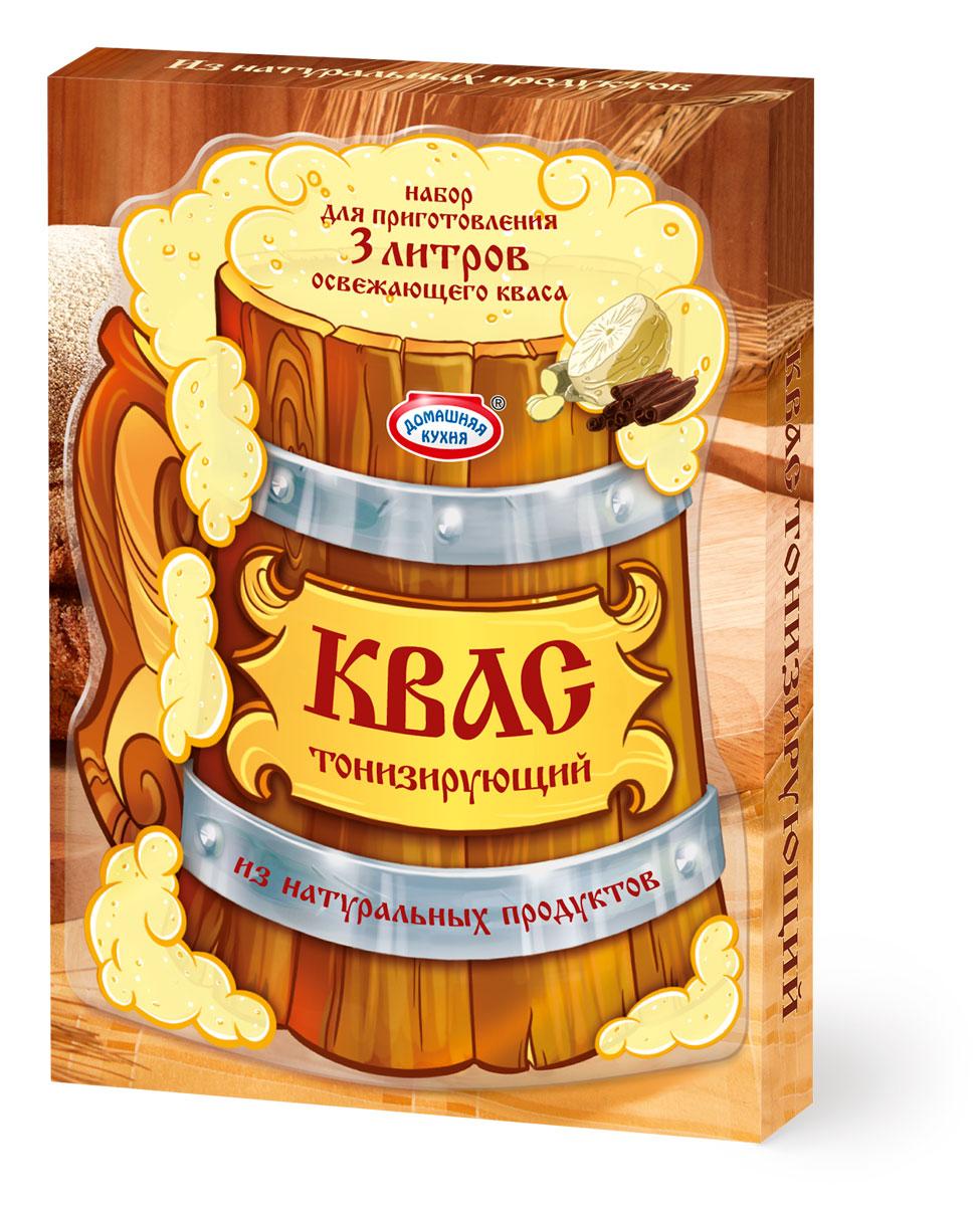 """В наборе только натуральные ингредиенты: концентрат квасного сусла, дрожжи, имбирь, корица и корень сельдерея. Квас обладает богатым и пряным необычным вкусом и разнообразит привычный летний стол. Попробуйте всю линейку Кваса от """"Домашней кухни""""!"""